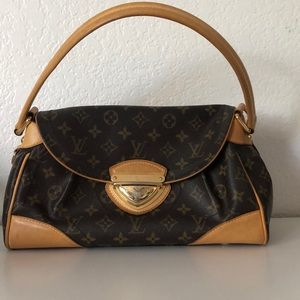 Louis Vuitton buckle purse